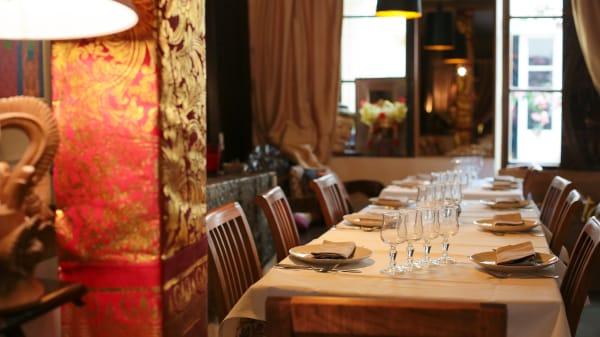 Tables dressées - Djakarta Bali, Paris