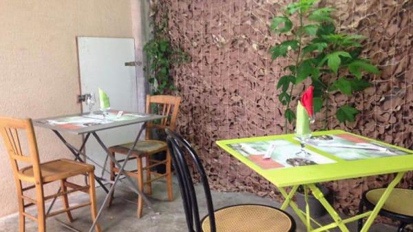Terrasse - Kim Phuc, Montélimar