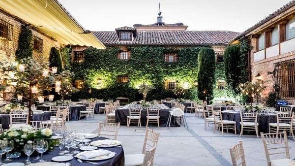 Terraza - La Hostería del Convento, Boadilla del Monte