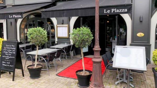 Entrée - Le Plazza, Tours