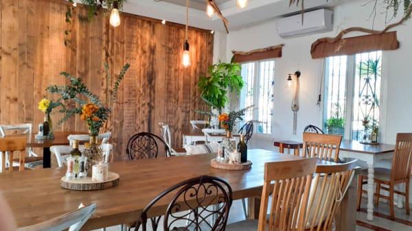 Vista de la sala - Wild cafe & restaurante, Estepona